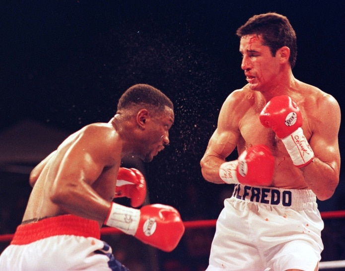 Wilfredo Rivera presentó una gran pelea contra Pernell  Whitaker el 12 de abril del 1996 en San Martín. Muchos los vieron ganador, lo que le hubiera convertido en campeón mundial. La decisión, no obstante, fue en su contra y con un juez viendo un resultado abierto en favor del rival.