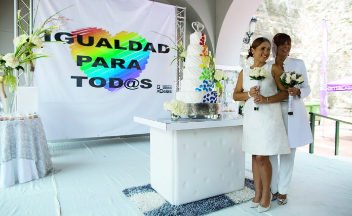 En agosto de 2015, en Puerto Rico se celebró la primera boda masiva entre parejas del mismo sexo.