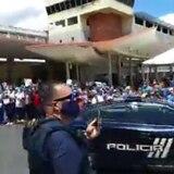 Comandancia de área de San Juan lleva caravana a hospitales