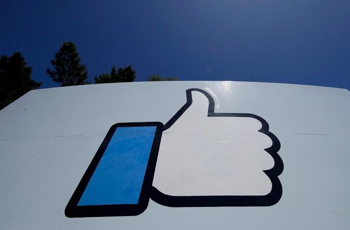 Una mujer fue timada luego de que alguien le envió un mensaje en Facebook haciéndose pasar por una amiga y le solicitó $500. (Archivo)