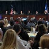 Jueces del Tribunal Supremo barren el piso con la Comisión Estatal de Elecciones