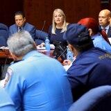 Gobernadora se reúne con la alta oficialidad de la Policía