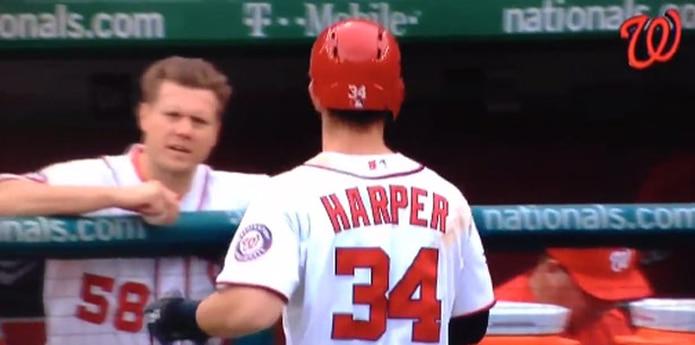 El estelar Bryce Harper se fue a los puños con su compañero de equipo y relevista, Jonathan Papelbon. (Captura: Twitter)