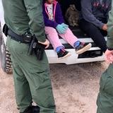 """Pediatras aseguran que es """"compatible con la tortura"""" el trato que da Estados Unidos a niños migrantes"""