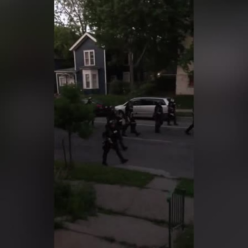 Escalofriante intervención policiaca en Minneapolis