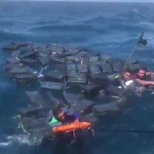 Mira cómo la cocaína salvó a estos traficantes de morir ahogados