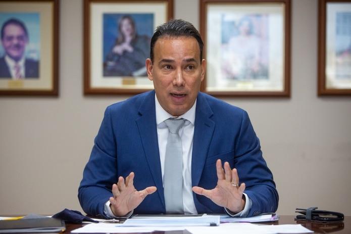 Luis Alemañy González, presidente del Banco de Desarrollo Económico.