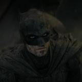 """Nuevo adelanto de """"The Batman"""" muestra a Robert Pattinson en acción"""