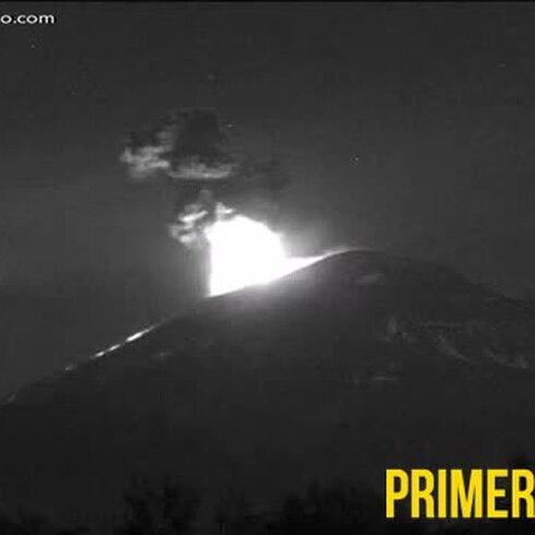 Impactantes imágenes de erupción de volcán