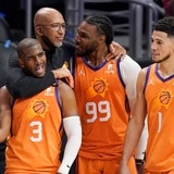 Phoenix le puso punto final a los Clippers en Los Ángeles