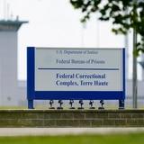 Aplazan en EE.UU. ejecución de una mujer
