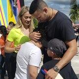 En camino a la Isla suministros enviados por Carlos Correa y otros jugadores