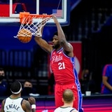 Los Sixers superan al Jazz en tiempo extra en el choque de los líderes de conferencia en la NBA