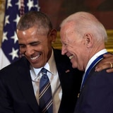 """Obama felicita a Biden y Harris por su """"histórica y decisiva victoria"""""""