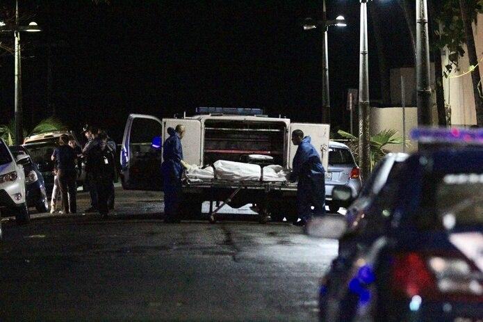 Las víctimas de los dobles asesinatos presentan heridas de bala.