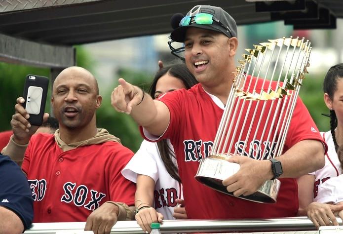 El regreso del dirigente boricua Alex Cora al timón de los Red Sox de Boston ha sido uno de los factores que ha colaborado para que dicha novena posea la mejor marca de las Grandes Ligas.
