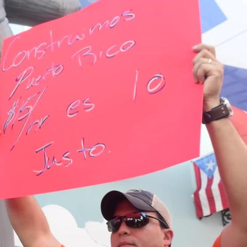 Obreros de la construcción protestan frente a La Fortaleza