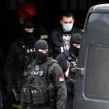 """Arrestan a personas vinculadas con grupos de fanáticos """"responsables de una serie de delitos monstruosos"""" en Serbia"""