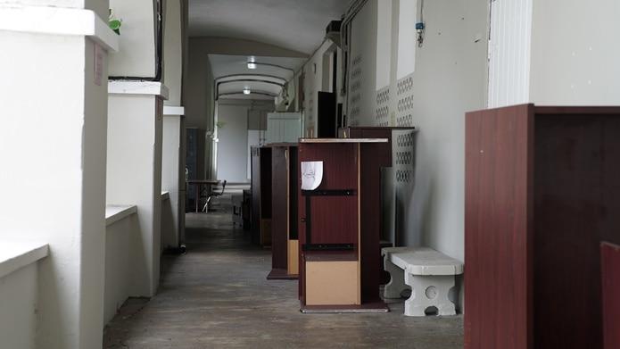 Vista de uno de lo pasillos del plantel.