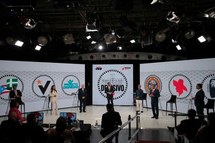 Dos expertas en temas de publicidad coincidieron en que las estrategias finales de los candidatos a la gobernación, a siete días de las elecciones, deben distanciarse de las controversias.