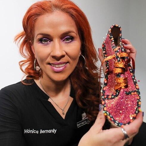 Aprende a crear zapatos con Mónica Bernardy