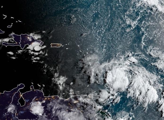 Imagen de satélite de la onda tropical durante la mañana del 9 de agosto de 2021.