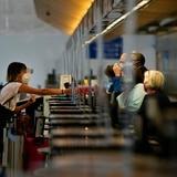 Millones saturan aeropuertos de EE.UU. por viajes del Día de Acción de Gracias