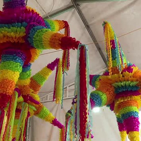 Las piñatas contra el mal en Navidad, antigua tradición mexicana