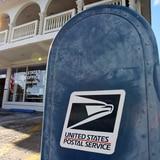 Ocupan cheques del Departamento del Trabajo a empleado de servicio postal
