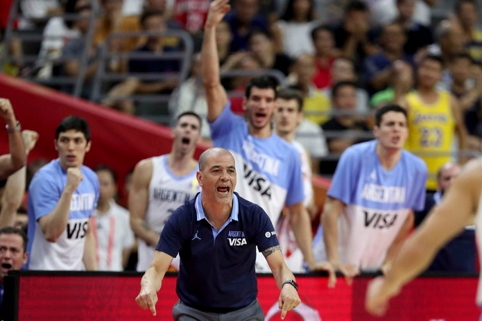 Sergio Hernández celebra una de las grandes jugadas de su equipo hoy en China. (AP)