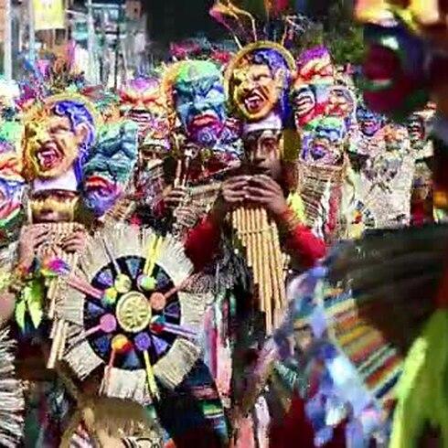 """Un colorido carnaval le dedica un """"Canto a la Tierra"""""""