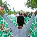 Santiago le resta mérito a los candidatos independientes durante cierre de campaña