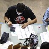 Le dan paso a dos de las seis querellas que radicó Victoria Ciudadana por doble voto