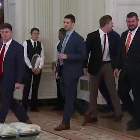 Vas a una reunión con Trump y en serio, ¿te sirven pizza?