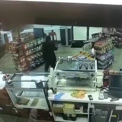 Pandillero resulta herido al intentar asaltar gasolinera en Puerto Nuevo