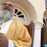 Prohíben abrazos y darse la mano en la diócesis de Ponce