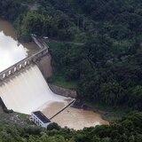 Lago Dos Bocas comienza a desbordarse