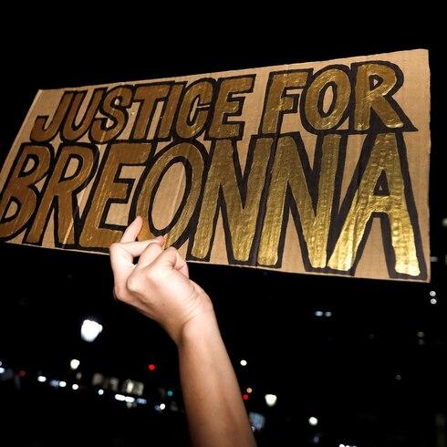 Dos policías heridos de bala en protestas por el caso de Breonna Taylor
