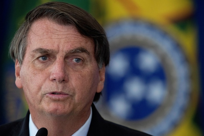 El presidente de Brasil, Jair Bolsonaro, reiteró su negativa a considerar confinamientos como medida preventiva contra el virus.