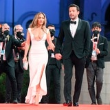 Ben Affleck y Jennifer López desfilan juntos en la alfombra roja de Venecia