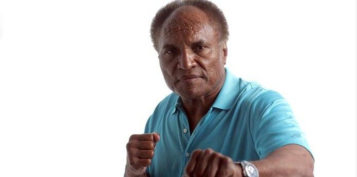 Colón comenzó su carrera luchística en 1966 y todavía se mantiene ocasionalmente activo en la empresa que él mismo fundó, el Consejo Mundial de Lucha (WWC, por sus siglas en inglés).