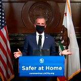 Alcalde de Los Ángeles pide a todos usar mascarillas