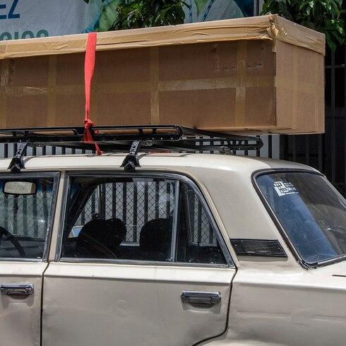 Cajas de cartón, la dura realidad de morir por COVID-19 en Ecuador