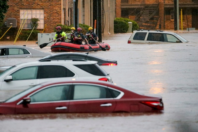 Fuertes lluvias provocan inundaciones en el sur de Estados Unidos - Primera  Hora
