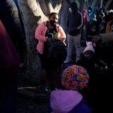 """Gobierno de Estados Unidos planea restablecer la política """"Permanecer en México"""""""