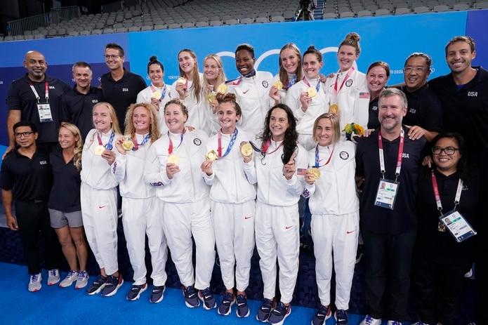 Esta es otra foto de todo el equipo y su grupo de trabajo.