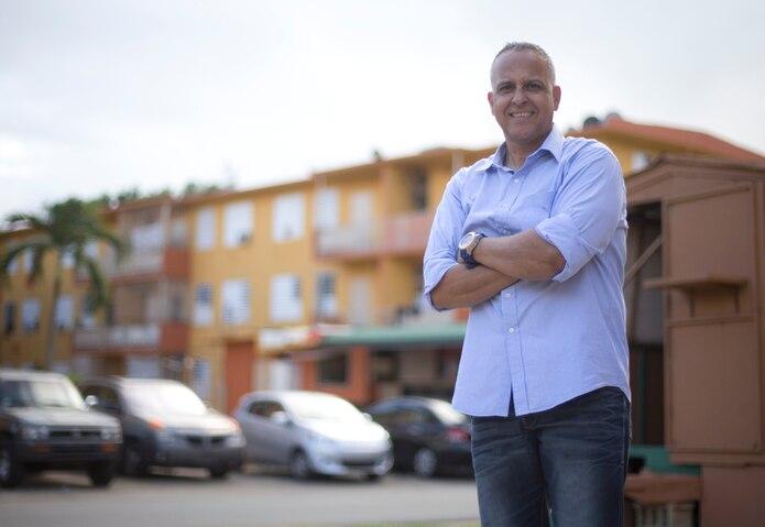 Lino Rivera se crió en el Edificio 23 de Canales por los primeros nueve años de su vida.