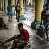 """COVID-19: advierten sobre """"intensa transmisión"""" en el Caribe"""