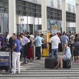 Joven español abre la puerta equivocada en un aeropuerto y cancela 130 vuelos en Alemania