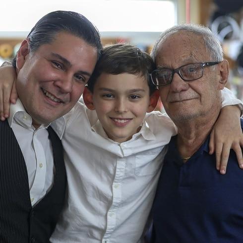 Marcos Carrazana cuenta cómo las telas unieron a su familia